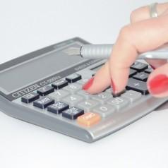Biuro rachunkowe, samodzielne rozliczanie czy ksiegowa na etacie?